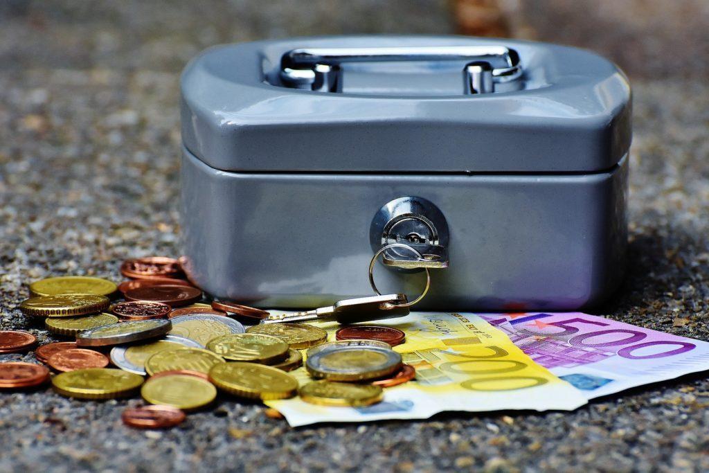「預金」「 貯金」「貯蓄」の違い