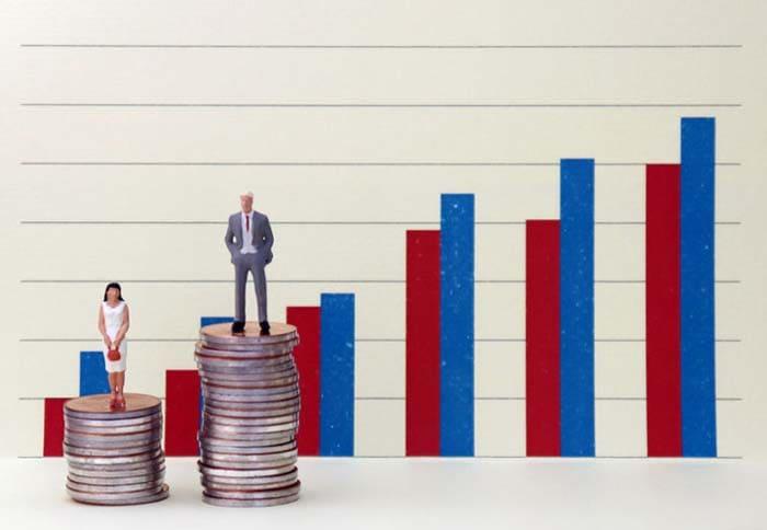 生涯給料の平均値にはほどんどの人に大きな差が生まれる